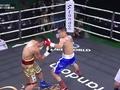 Đinh Hồng Quân tung combo sấm sét, knockout đối thủ Hàn Quốc ngay hiệp 2