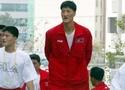 Trung phong Triều Tiên cao 2m35 và giấc mơ NBA tan nát vì chính trị!
