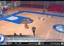 SỐC: Tên lửa dội xuống giữa trận bóng rổ, cầu thủ vứt bóng nằm ôm đầu run sợ