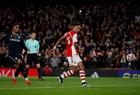 Vì sao VAR trao phạt đền cho Arsenal trận gặp Aston Villa?