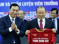 Sau trận đấu Trung Quốc, VFF đàm phán hợp đồng với ông Park