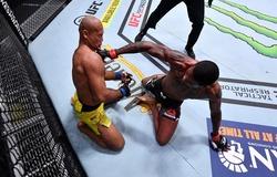 """UFC khiến khán giả đau đầu với 4 đề cử """"Knockout Of The Year"""""""