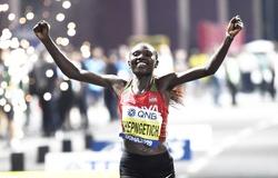 Kỷ lục thế giới chạy bán marathon nữ lại bị phá sâu