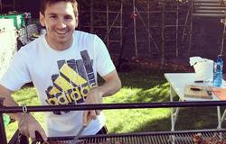 Messi lần đầu tiên mời đồng đội về nhà trước trận đánh lớn
