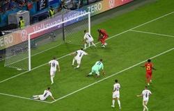 Lukaku bỏ lỡ khó tin sau đường chuyền siêu hạng của De Bruyne