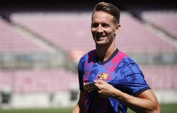 Đội hình ra sân Barcelona vs Bayern Munich: Depay đọ súng Lewandowski