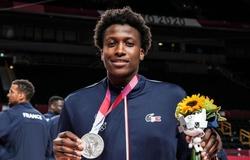 Dallas Mavericks mở đường về NBA cho cầu thủ giành HCB Olympic