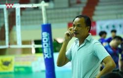 HLV Trần Đình Tiền thay chuyên gia Li Huan Ning nắm đội tuyển bóng chuyền nam?