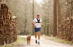 Thử thách 200 marathon trong 100 ngày của chàng trai chạy 42km khắp thế giới