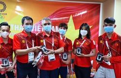 Hội người Việt tại Nhật Bản tặng quà đoàn thể thao Việt Nam dự Olympic 2021