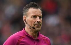 """Trọng tài mắc lỗi ở Cúp C1 từng bị """"treo còi"""" tại Ngoại hạng Anh"""