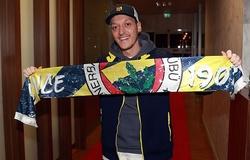 CĐV quyên góp tiền lương để Mesut Ozil đến Fenerbahce