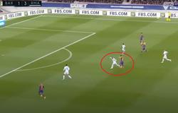 Ramos tắc bóng ngược khó tin khiến Messi mất cơ hội ghi bàn