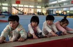 """""""Cỗ máy"""" đào tạo ngôi sao thể dục dụng cụ của Trung Quốc: Bớt khắc nghiệt khi mục tiêu càng cao!"""