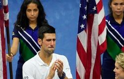 Thua chung kết giải tennis US Open 2021: Djokovic nói gì qua những giọt nước mắt?