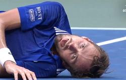 Giả làm cá chết khi vô địch giải tennis US Open: Medvedev khiêu khích Djokovic hay ý gì?