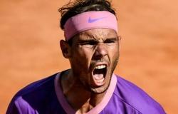"""Kết quả tennis Rome Open mới nhất:Nadal """"chết hụt"""" 2 lần!"""