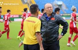 Các cựu HLV trưởng ĐT Việt Nam đồng cảm với khó khăn của thầy Park