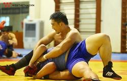 """Cận cảnh các VĐV """"khủng long"""" nặng cân nhất đoàn thể thao Việt Nam tập luyện trước thềm SEA Games 30"""