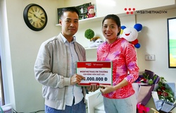 """Webthethao.vn trao thưởng cho """"bà mẹ một con"""" Nguyễn Thị Huyền vừa lập cú đúp HCV SEA Games 30"""