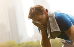 Hoạt động thể thao dưới nắng nóng cẩn trọng bị sốc nhiệt