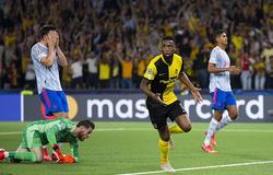 Lingard chuyền về thảm họa khiến MU thua đau ở Champions League