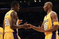 """Julius Randle trải lòng: """"Kobe chắc sẽ tự hào về tôi, tôi nhớ anh ấy mỗi ngày!"""""""