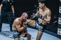 Eddie Alvarez thất bại trước đối thủ Hàn Quốc, giới MMA chỉ trích trọng tài