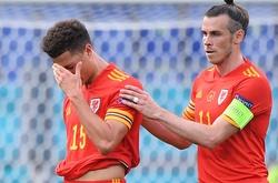 Tranh cãi tóe lửa về tấm thẻ đỏ đầu tiên ở EURO 2021 trận Italia - Wales