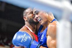 """Boxing Olympic Tokyo: Võ sĩ bị chỉ trích vì tái hiện màn """"cắn tai"""" giống Mike Tyson"""