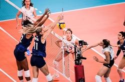 Đương kim vô địch VNL 2021 có chiến thắng trước những người đồng hương tại Olympic 2021