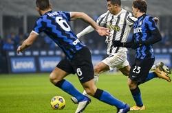 Ronaldo trượt dài từ vị trí số 1 xuống thứ 5 tại Serie A