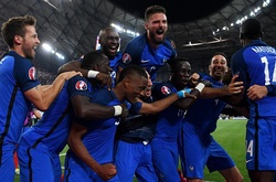 Pháp 2-0 Đức: Người hùng Antoine Griezmann
