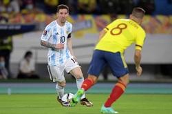 Messi sút phạt lại bị cản phá ở vòng loại World Cup 2022