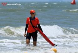 Bơi thử cho VĐV dự TRI-Factor 2021: Sóng to thêm phần thử thách