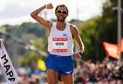 """Nhà vô địch Moscow Marathon 2020 chế giễu đối thủ với """"hành động xấu xí"""""""