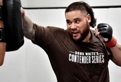 Võ sĩ UFC đối mặt án tù vì đấm vỡ hàm kẻ phá rối quán bar