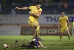 Thời tiết xấu, Nam Định FC thấp thỏm chờ đợi trận quyết định với SLNA