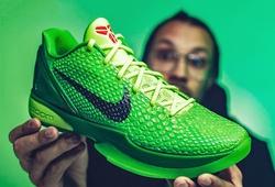 Mê mẩn trước cực phẩm Nike Kobe 6 Protro phối màu Grinch huyền thoại
