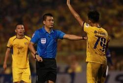 Trọng tài Hoàng Ngọc Hà thắng tuyệt đối ở Còi Vàng Việt Nam 2020
