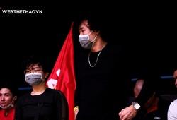 Tâm Đinh xuất hiện trên khán đài cổ vũ ... Thang Long Warriors