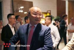 Thầy Park sang trọng, bầu Đức giản dị dự lễ cưới Công Phượng Viên Minh