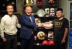 Nhà vô địch WBO Thu Nhi 'choáng' khi gặp lại HLV Park Hang-seo