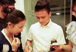 Chùm ảnh Quang Hải gây xôn xao sinh viên tại ĐH Kinh tế