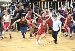 Tận dụng sai lầm của Ba Đình, CDunk lên ngôi U19 nam Giải BR trẻ Hà Nội