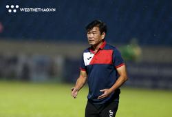 """Chủ tịch và HLV Than Quảng Ninh """"xung đột"""" quan điểm xây dựng đội bóng"""