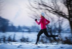 Chạy bộ mùa đông giá rét phải lưu ý những điều sau