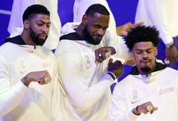 ĐKVĐ LA Lakers để thua LA Clippers trong ngày nhận Nhẫn Vô địch