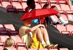 Arsenal tốn khoản tiền khổng lồ cho lòng trung thành của Ozil