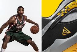 """Ấm lòng câu chuyện đặc biệt của Giannis Antetokounmpo đằng sau đôi Nike Zoom Freak 2 """"Taxi"""""""